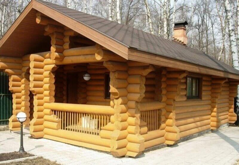 Качественно отшлифованный сруб дома